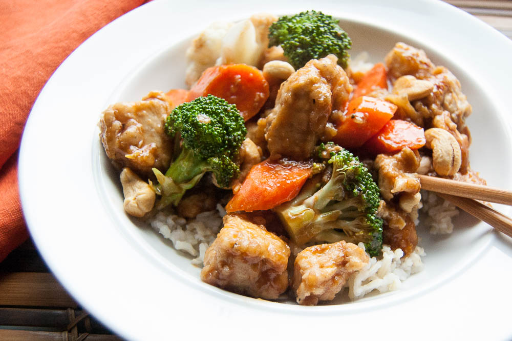 Easy, healthy and delicious, this Cashew Chicken & Vegetables is a perfect dinner for busy weeknights.